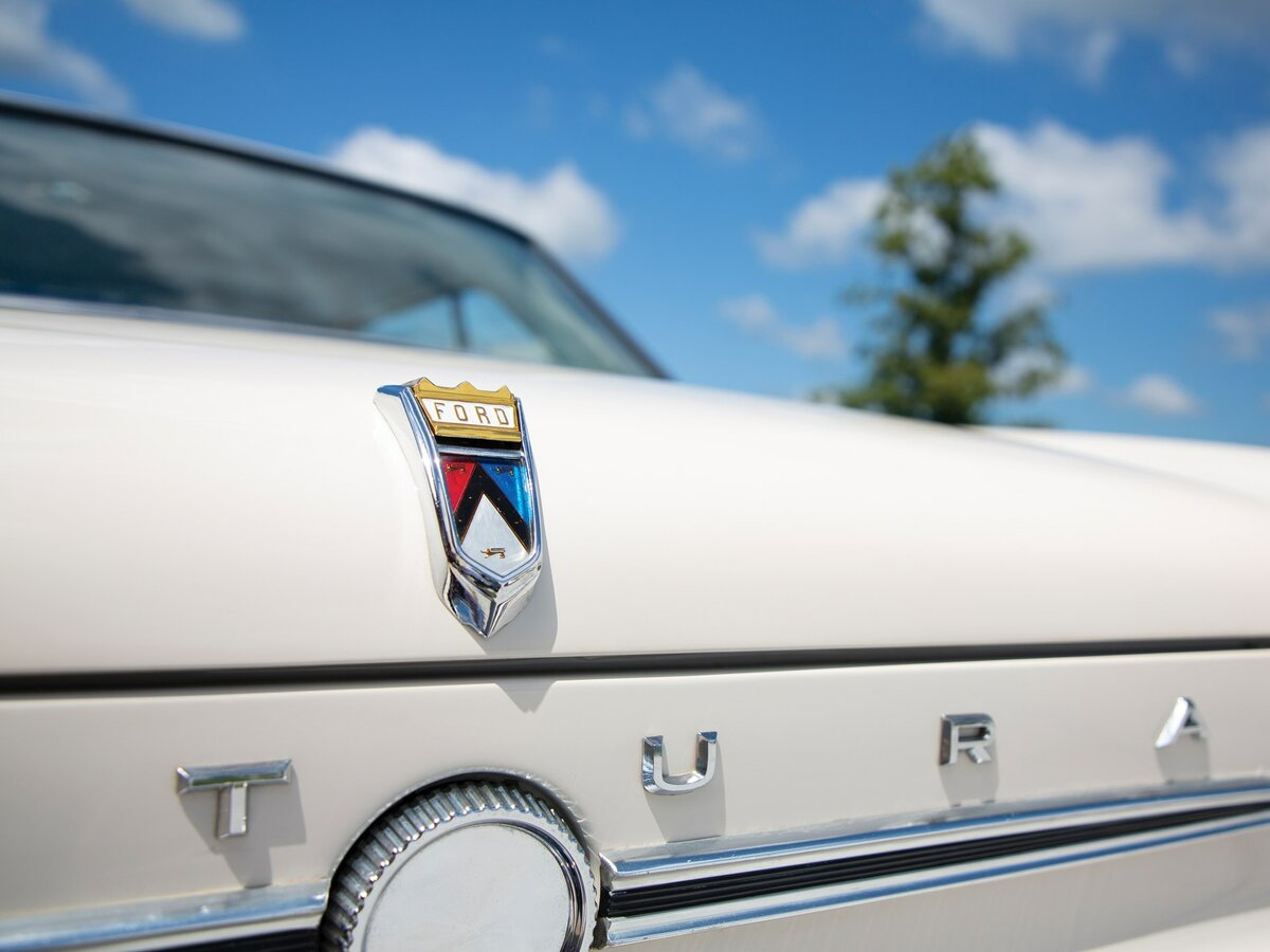 ford-falcon-1960-1970-amerikanskij-sokol-stavshij-otcom-mustanga