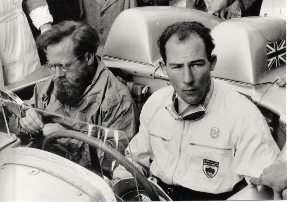 Дэнис Дженкинсон и Стирлинг Мосс в Mercedes 300 SLR на гонке Mille Miglia в 1955 году