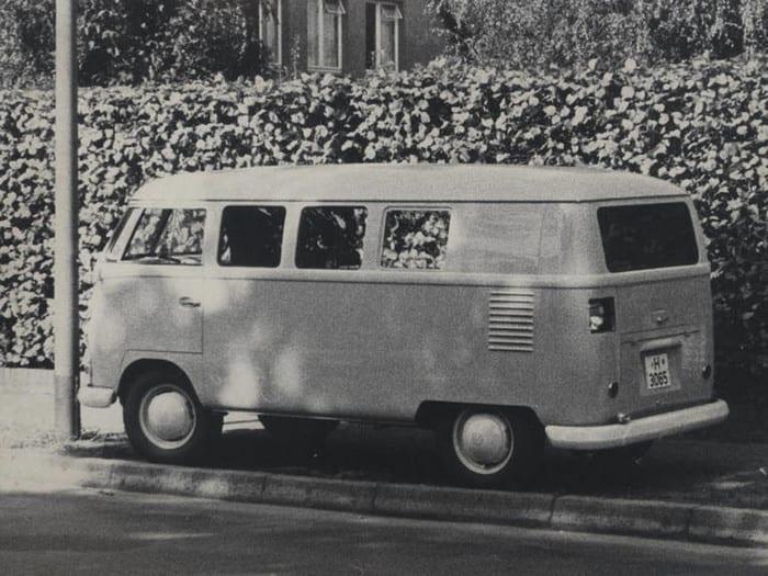 v-garazhe-nashli-busik-volkswagen-t1-c-neobychnoj-istoriej
