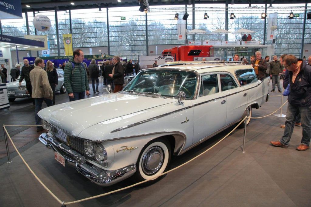 Plymouth Sport Suburban (1960)