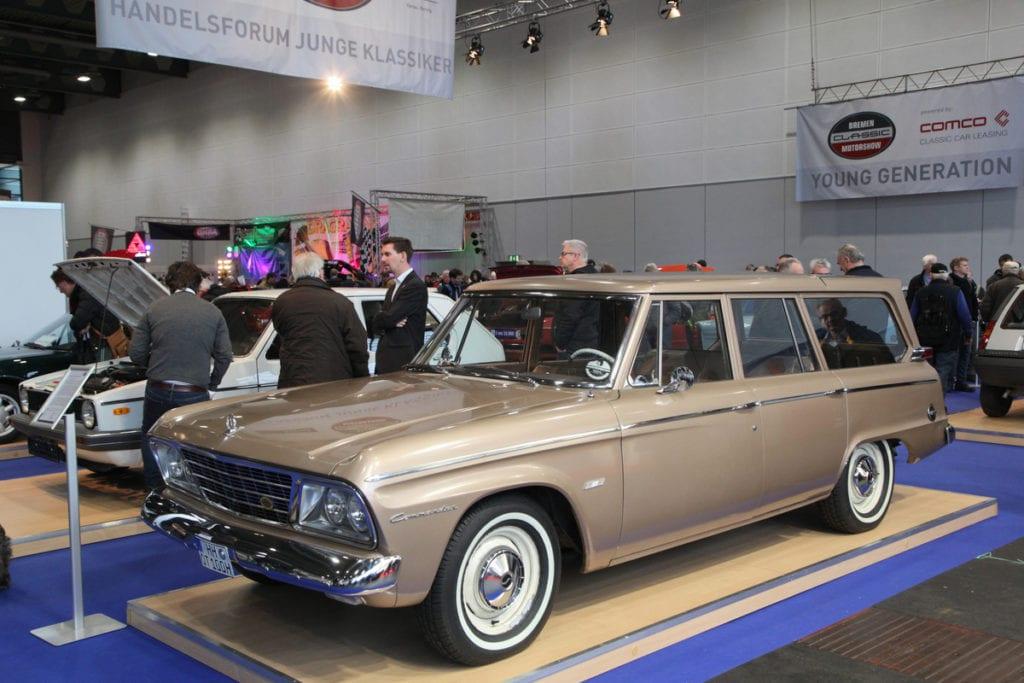 Studebaker Commander Wagonaire V8 (1964)