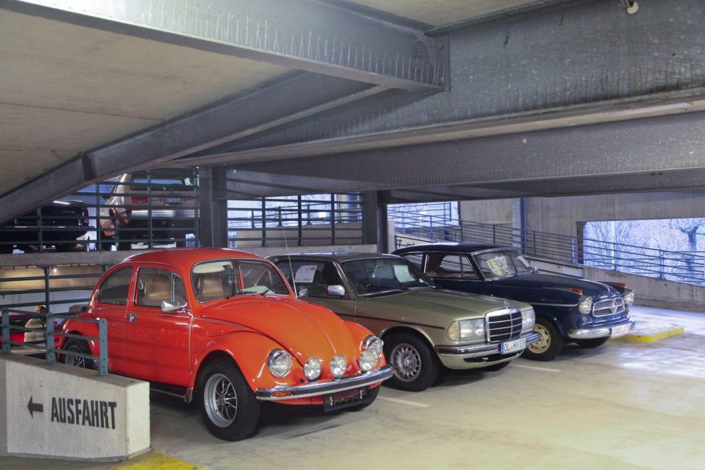 VW Käfer 1302, Mercedes W123-Coupé und Borgward Isabella