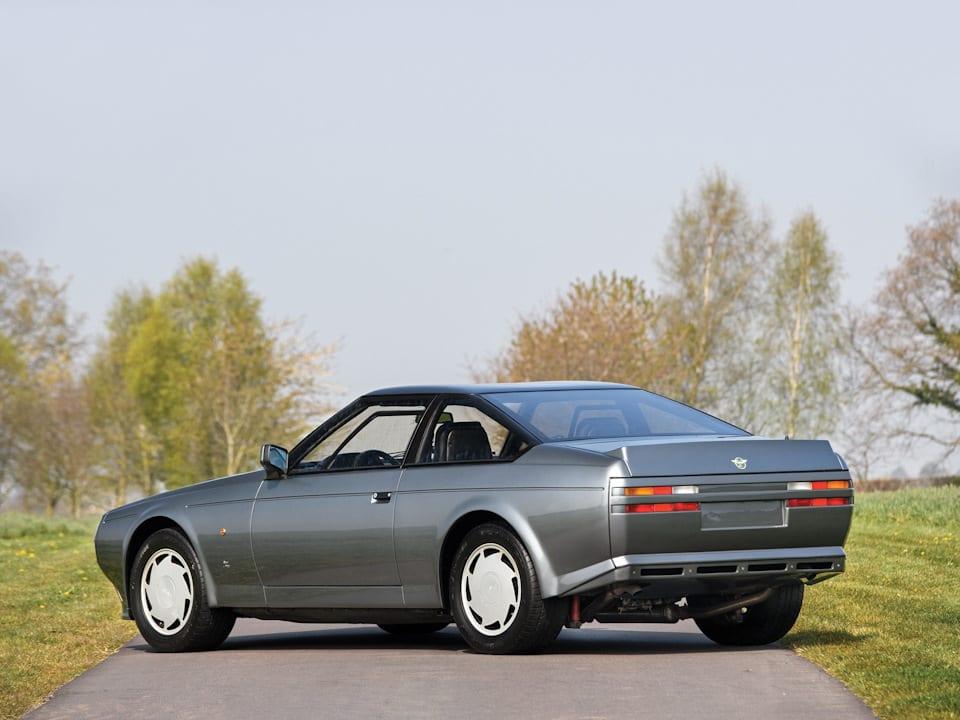 aston-martin-v8-vantage-zagato-1987-zanovo-rozhdyonnyj-avtomobil-shejxa-katara